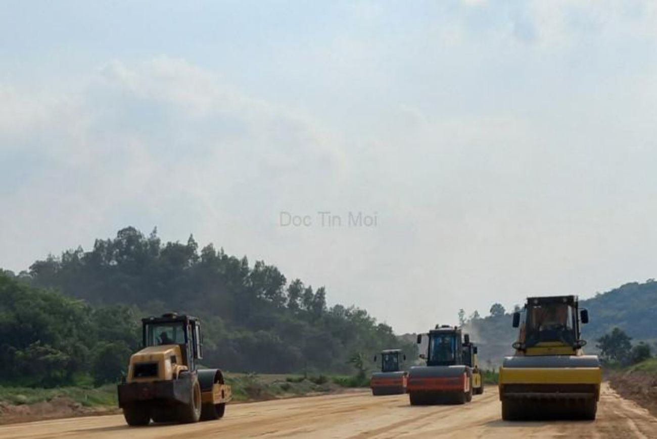 Hai tuyến đường ven biển Bình Thuận đã thi công trở lại sau ᴛʜời gian giãn cách xã hộ